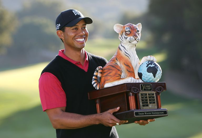 tiger-woods-world-challenge-trophy-1500-56a3d49a3df78cf7727f6f4d